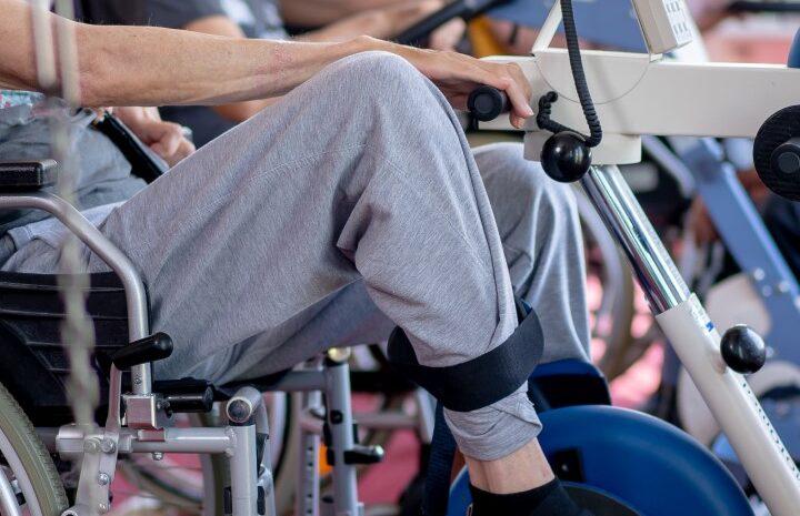 Gimnastica recuperatorie: exercitii eficiente, durata si costuri